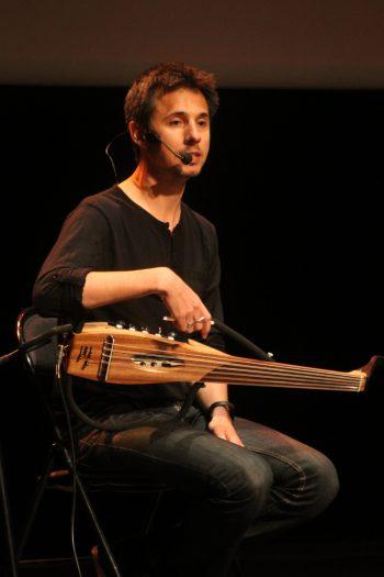 عود عربي Sylvain Bouancheau Dugast Musicien luthier عود كهربائي